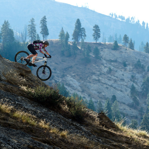 Riding a great section of slickrock on a trail near Leavenworth, WA- Eric Mickelson Photo.